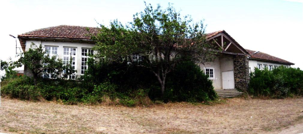 1 campo e antiga escola